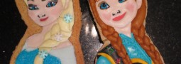 Elsa and Anna – Frozen cookie pops