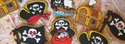 Pirates cookie pops