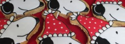 Snoopy cookie pops