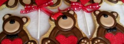 Valentine bears cookie pops